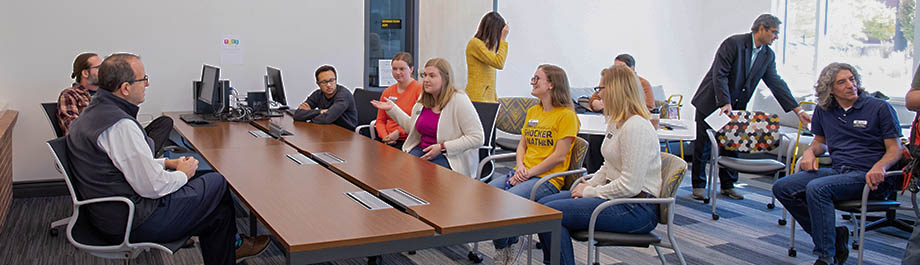 WSU President Golden visits with honor college students